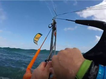 Watch a Kitemare unfold, and a rescuer ask for money! - Kitesurfing News
