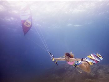 Kiteboarding Underwater - When diving meets kiteboarding - Kitesurfing News