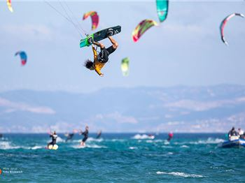 Jesse Richman cranks in the GKA Air Games - Kitesurfing News