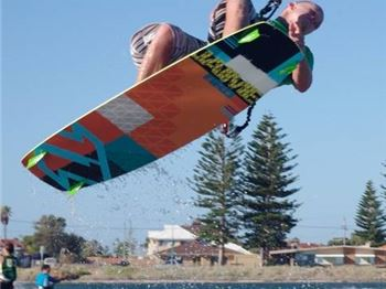 Progress your kiting with an Intermediate Lesson - Kitesurfing Articles