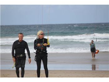 Richard Branson kiting with Adventure Sports in Noosa - Kitesurfing News
